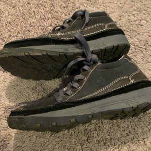 Boy's Swiss Gear Shoes Size 4